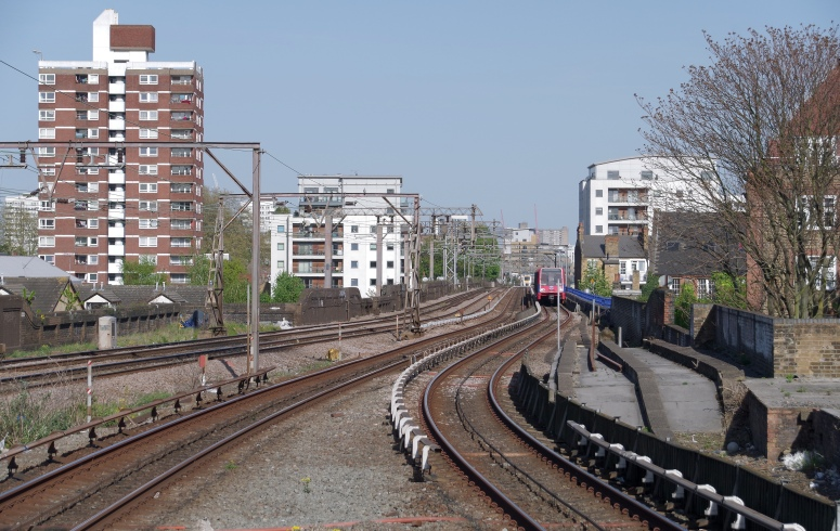 Shadwell_DLR_station_MMB_05_52