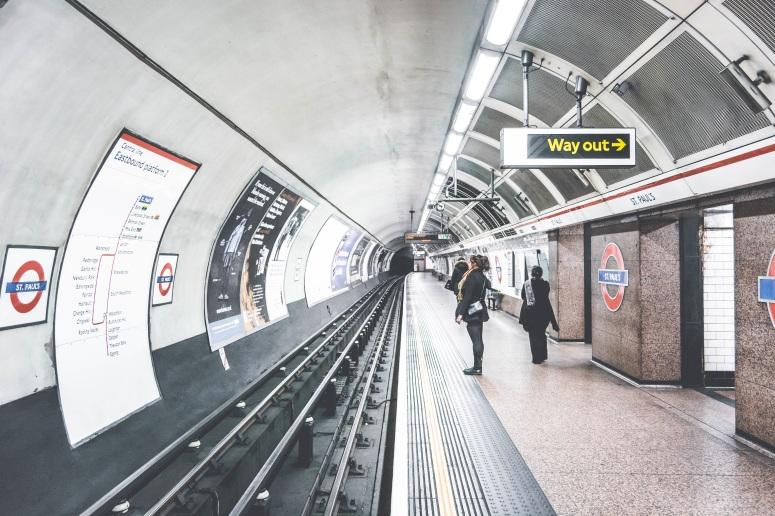 tube-london-underground-station-503802