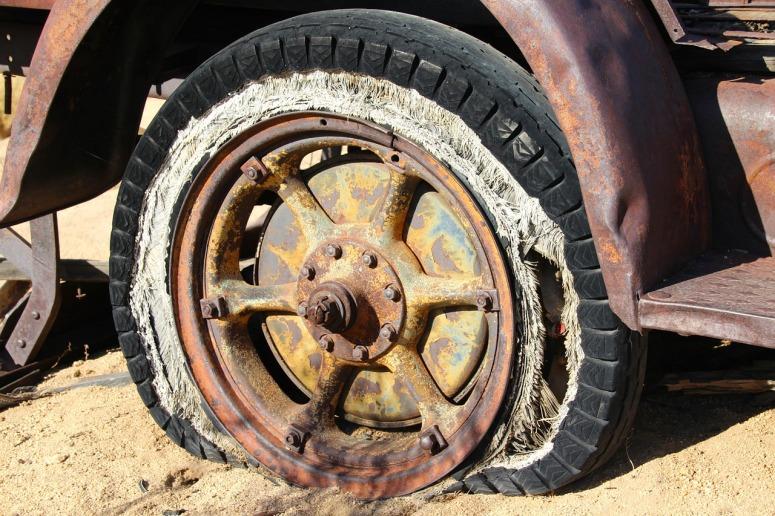 Wheel Vintage Tire Old Broken Antique Rusty